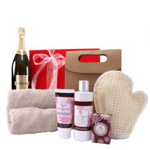 Gift Wrapped Up Chandon Pamper Plus Gift Hamper