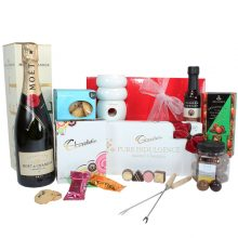 Gift Wrapped Up Deluxe Gift Hamper Moet Chocolate Delight