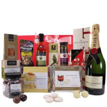 Gift Wrapped Up Deluxe Hamper Moet Delight