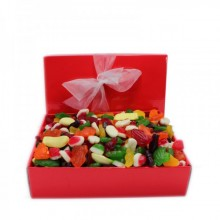 Hamper contains 2.5kg of Lollies