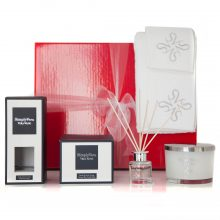 GIFT WRAPPED UP GIFT HAMPER VERA WANG