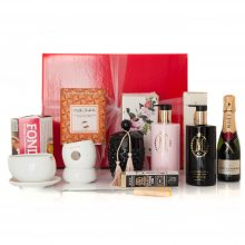 GIFT WRAPPED UP LUXURY GIFT HAMPER MOET, MAX BRENNER & MOR